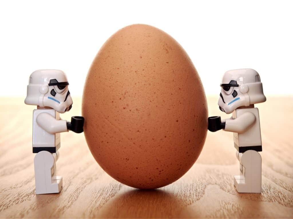 Anzeichen für Einnistung der Eizelle - Kann ich die Einnistung der Eizelle spüren? ei