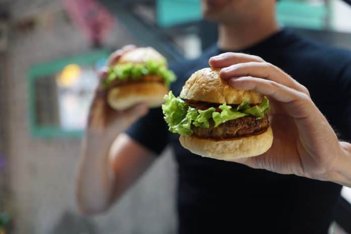 hamburger vegan vegetarisch schmackhaft bulette