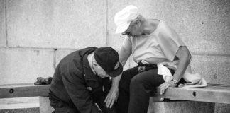 Angehörige pflegen, oma, opa, glücklich