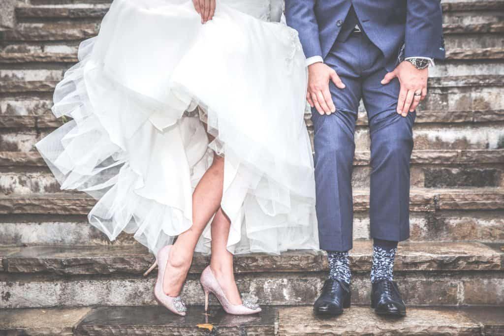 Hochzeitsauto mieten, denkt daran das Hochzeitskleid muss mit rein, ehe, hochzeit, braut