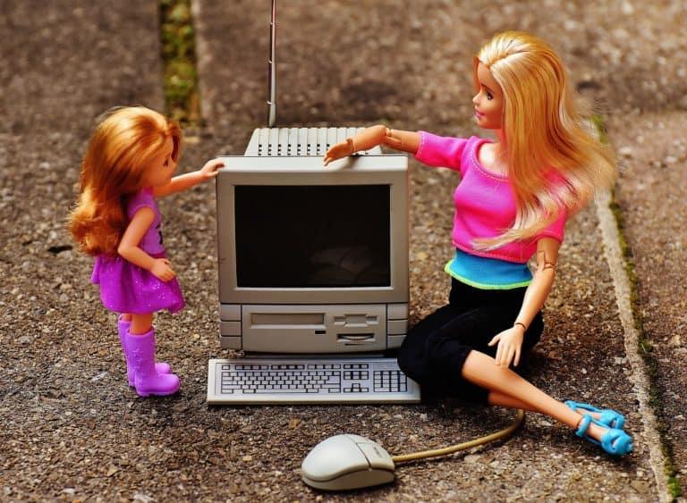 Zwischen Egoshooter und Lernprogramm – Spielen und Lernen am Computer