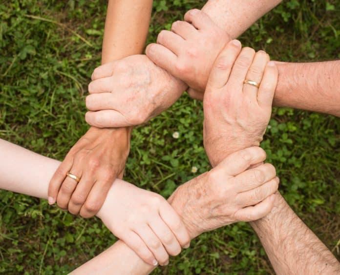 Familienversicherung, Gesetzliche Krankenversicherung, teamgeist, zusammenhalt, gemeinsam