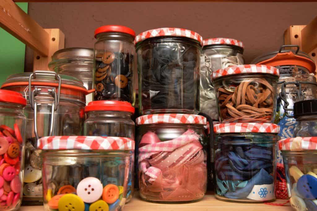 Kindergartenkonzept , eggio-Kindergarten, schraubgläser, gläser, sammeln