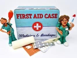 erste hilfe versorgung krankenschwester rettung