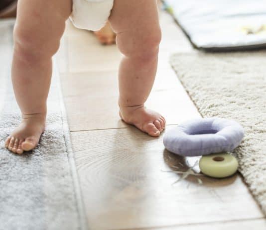 aktiv baby baby-windel baby beine baby-schritte
